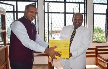 Bharat – Ek Parichay @ Mahinda College Library, Galle.