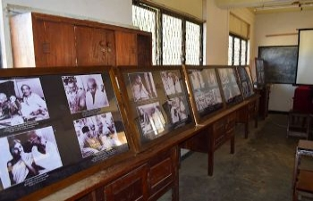 Mahatma Gandhi Photo Exhibition at Vijayaba National School, Hungama