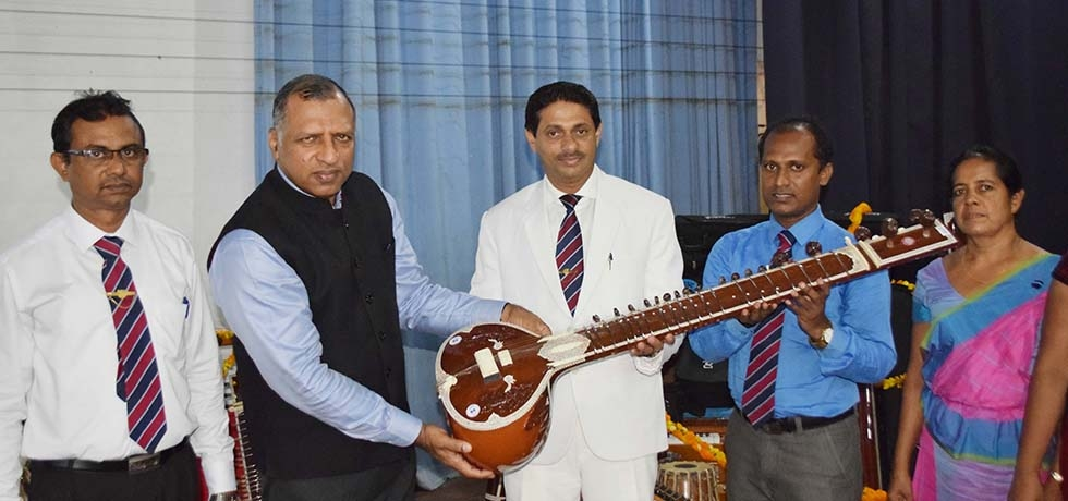 Consul General, Mr. Prem Nair handing over the Indian Musical Instruments to the principal of Richmond College, Mr. Sampath Weragoda on 3rd March 2020